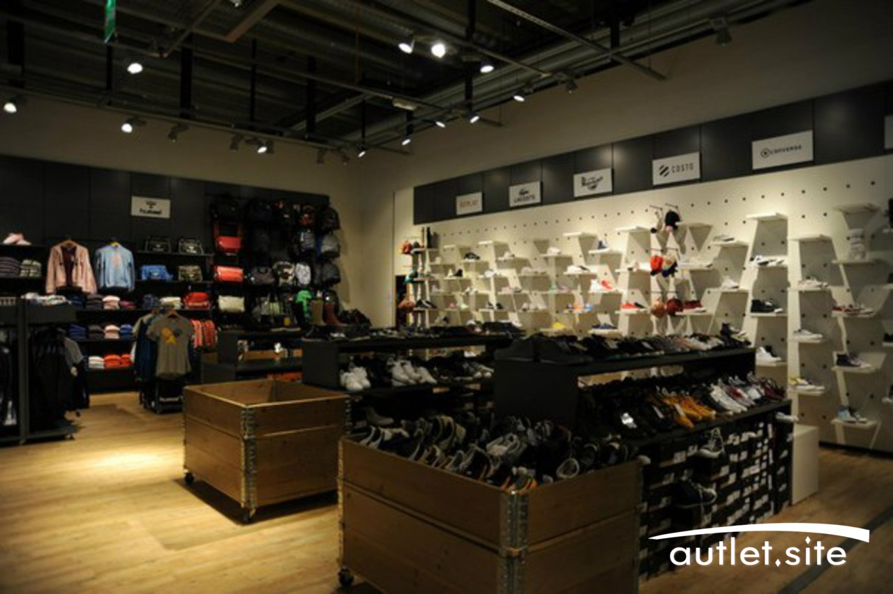 Fashion Brand Outlet Oh My Gosh!